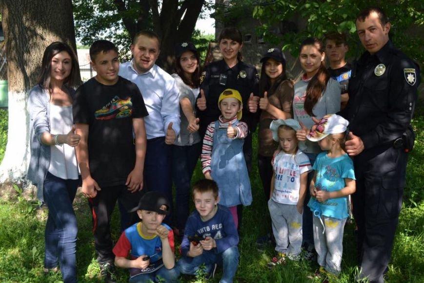 Чернівецькі патрульні відвідали притулок для дітей, фото-5