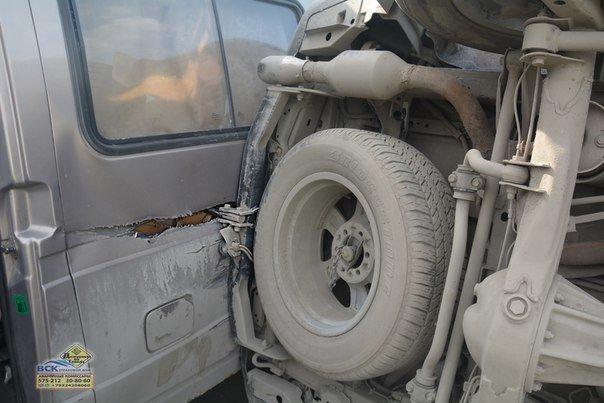 В Нижневартовске  на перекрестке Ленина - Кузоваткина произошло ДТП с участием трех автомобилей, фото-4