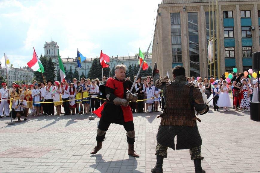 Закрытие Х фестиваля «Классика сегодня»: в Каменском состоялось карнавальное шествие, фото-7
