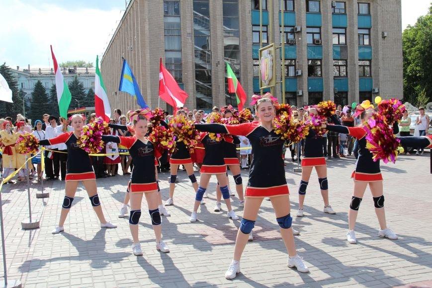 Закрытие Х фестиваля «Классика сегодня»: в Каменском состоялось карнавальное шествие, фото-9