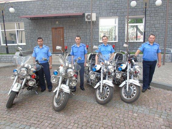 Охранять публичный порядок на курортах Херсонской области полицейские теперь будут на мотоциклах (фото), фото-1