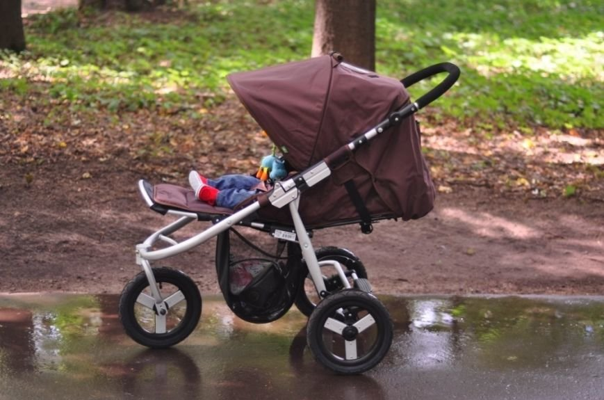 Як молодим батькам вибрати коляску і ліжко для дитини?, фото-2