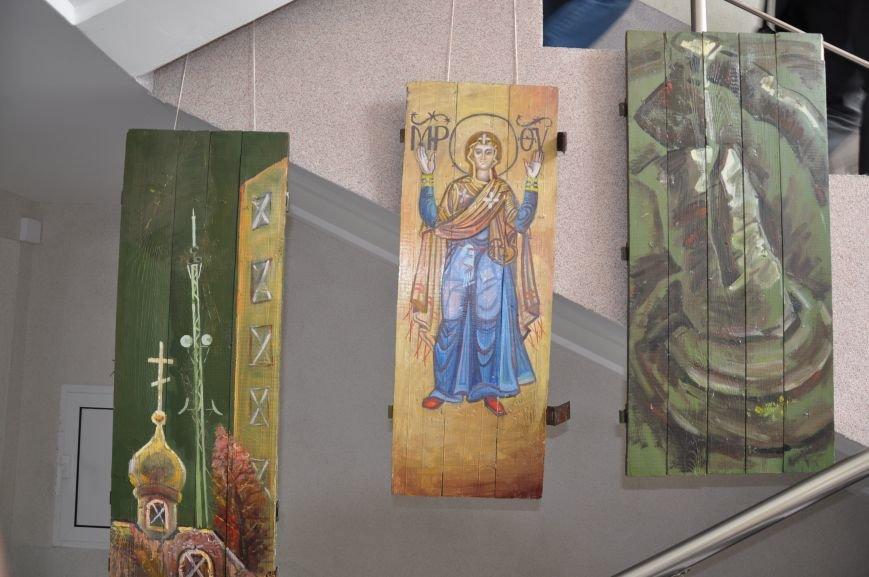 В Краматорском горсовете развесили иконы, фото-8