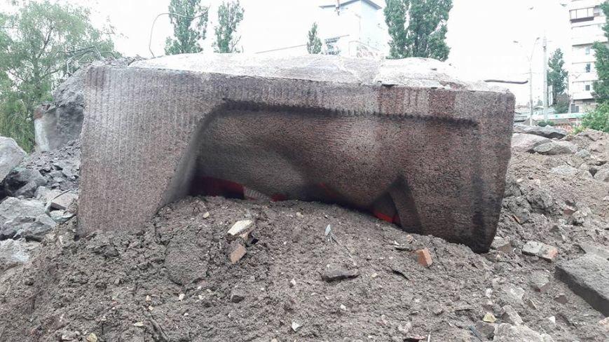 В Киеве продолжают демонтаж памятника чекистам (ФОТО), фото-3