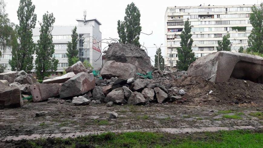 В Киеве продолжают демонтаж памятника чекистам (ФОТО), фото-5