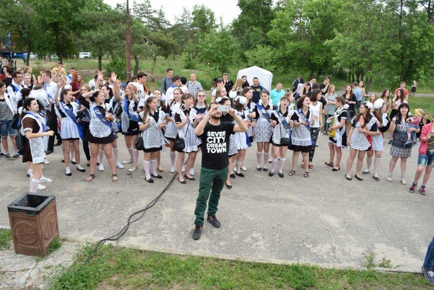 В Северодонецке выступила кавер-группа «Дебош» (ФОТО), фото-1