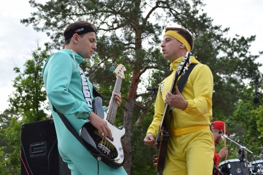В Северодонецке выступила кавер-группа «Дебош» (ФОТО), фото-5