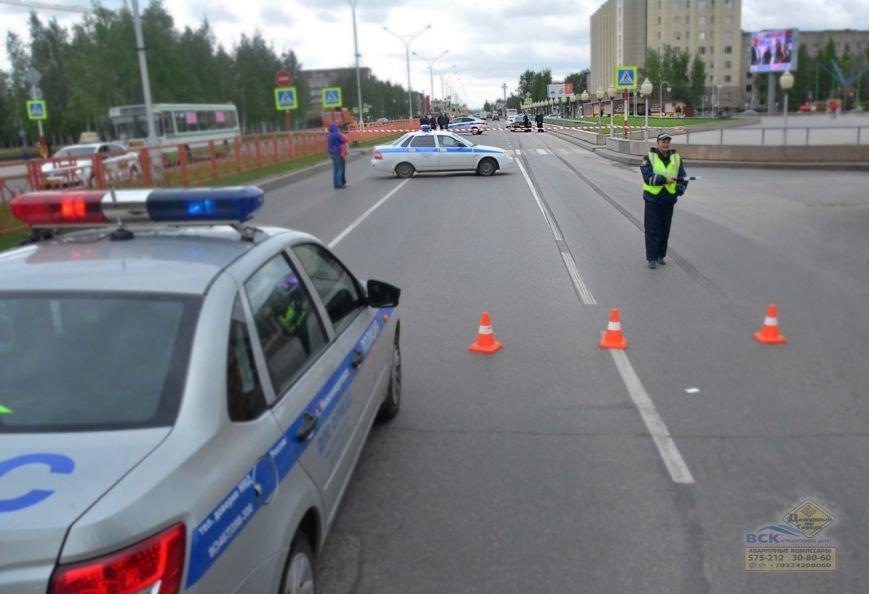 В Нижневартовске на пешеходном переходе возле Дворца Искусств  насмерть сбили пешехода //ВИДЕО, фото-4