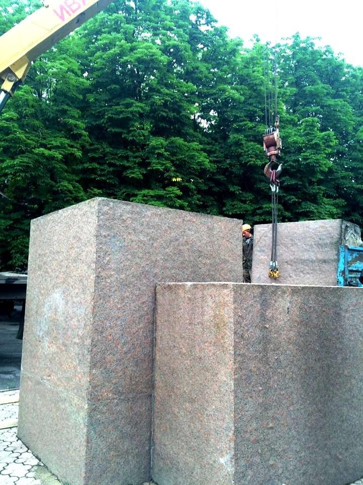 В Херсоне демонтировали памятник Цюрупе (фото), фото-2