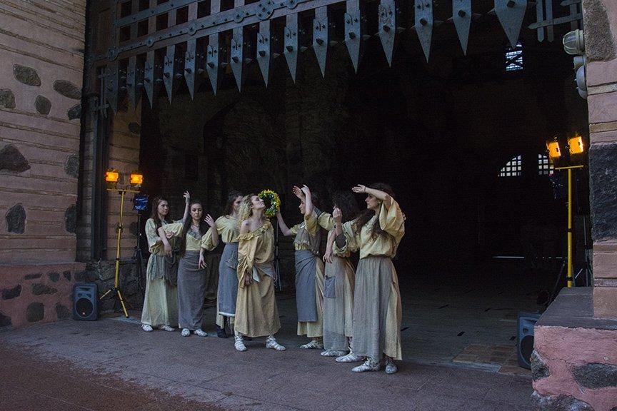 У Золотых ворот прошла постановка о защитниках средневекового Киева и современной Украины, фото-1