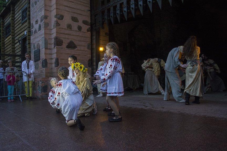 У Золотых ворот прошла постановка о защитниках средневекового Киева и современной Украины, фото-7