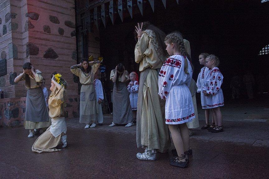 У Золотых ворот прошла постановка о защитниках средневекового Киева и современной Украины, фото-15