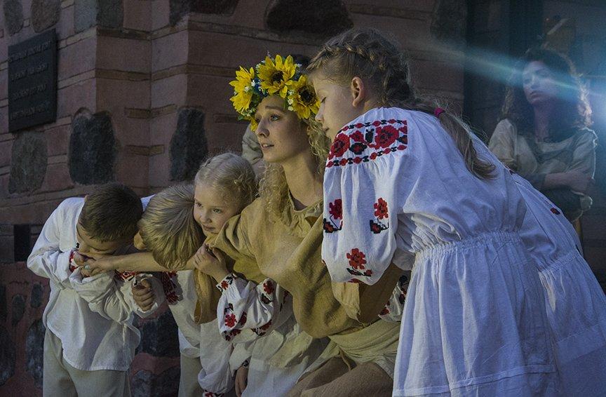 У Золотых ворот прошла постановка о защитниках средневекового Киева и современной Украины, фото-17