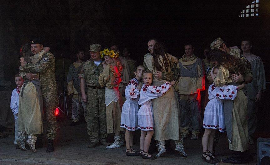 У Золотых ворот прошла постановка о защитниках средневекового Киева и современной Украины, фото-19