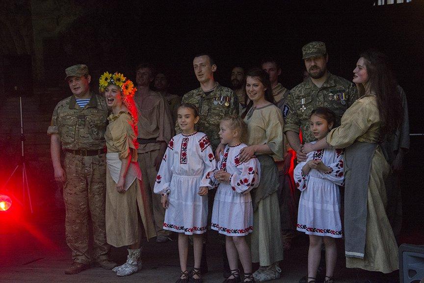 У Золотых ворот прошла постановка о защитниках средневекового Киева и современной Украины, фото-21