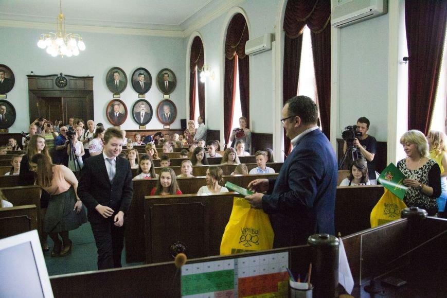 Вчора у сесійній залі чернівецької міськради відбулося засідання депутатів майбутнього(ФОТО), фото-5