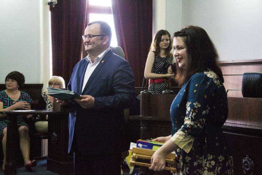 Вчора у сесійній залі чернівецької міськради відбулося засідання депутатів майбутнього(ФОТО), фото-7
