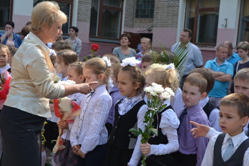 В Новополоцке прозвенел последний звонок. Фоторепортаж из гимназии №1, фото-8