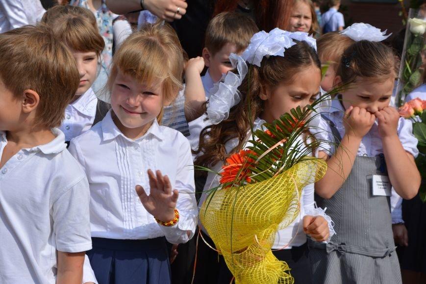 В Новополоцке прозвенел последний звонок. Фоторепортаж из гимназии №1, фото-26