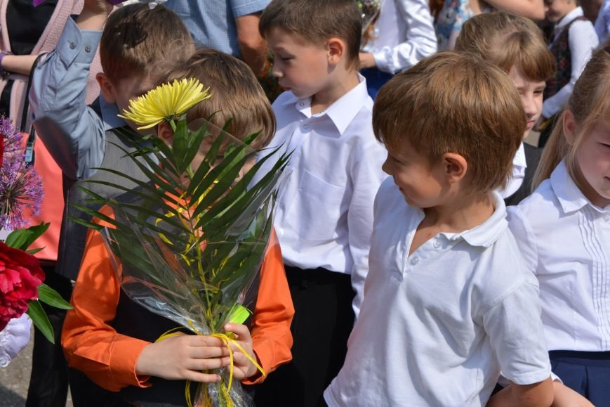 В Новополоцке прозвенел последний звонок. Фоторепортаж из гимназии №1, фото-25