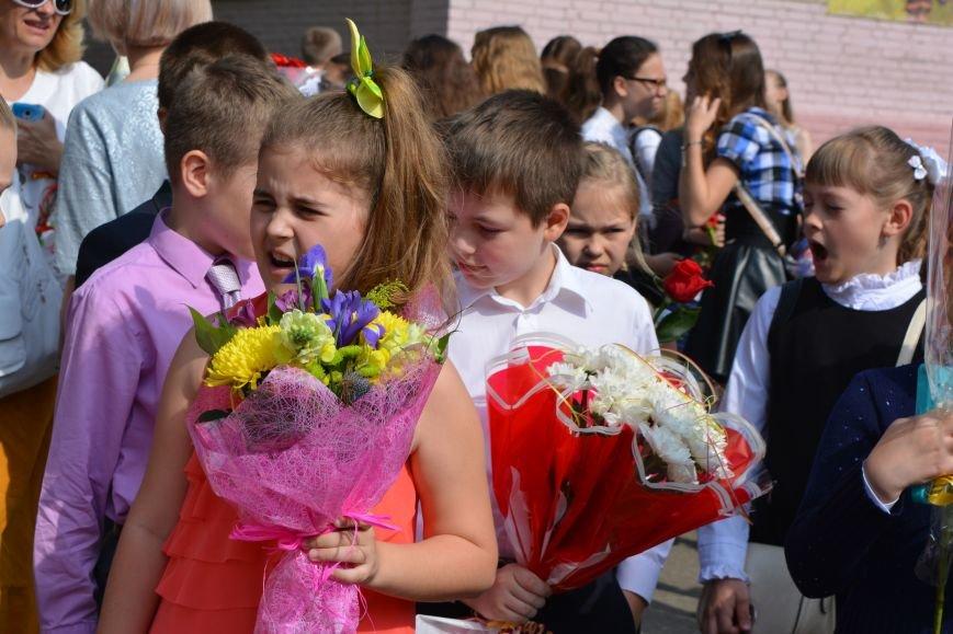 В Новополоцке прозвенел последний звонок. Фоторепортаж из гимназии №1, фото-21