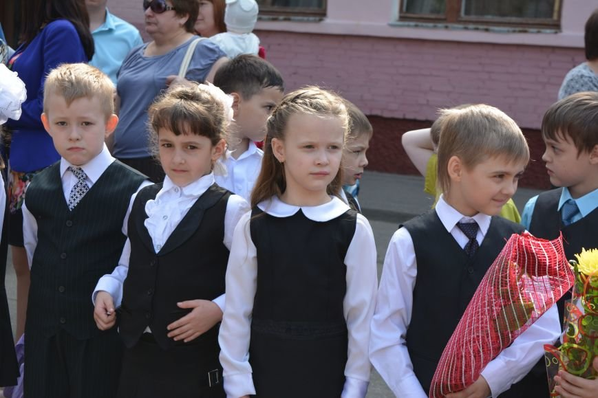 В Новополоцке прозвенел последний звонок. Фоторепортаж из гимназии №1, фото-14