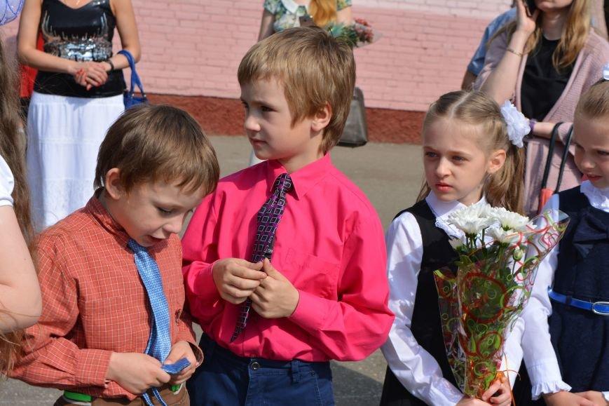 В Новополоцке прозвенел последний звонок. Фоторепортаж из гимназии №1, фото-23