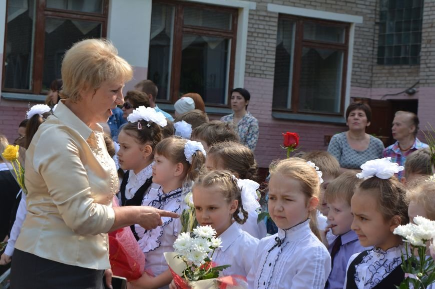 В Новополоцке прозвенел последний звонок. Фоторепортаж из гимназии №1, фото-7