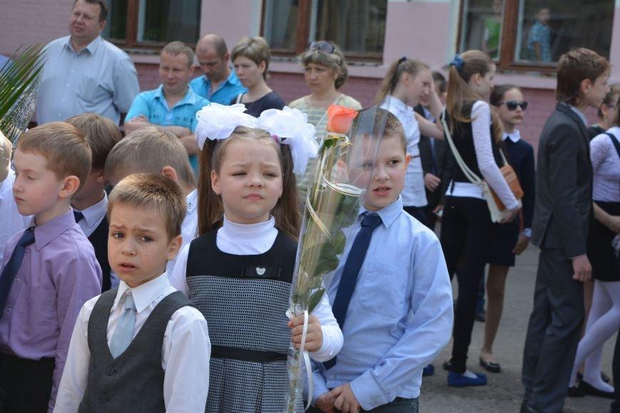 В Новополоцке прозвенел последний звонок. Фоторепортаж из гимназии №1, фото-9