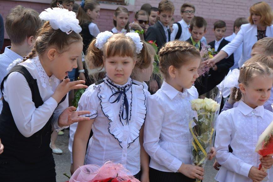В Новополоцке прозвенел последний звонок. Фоторепортаж из гимназии №1, фото-15