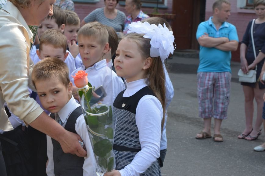 В Новополоцке прозвенел последний звонок. Фоторепортаж из гимназии №1, фото-4