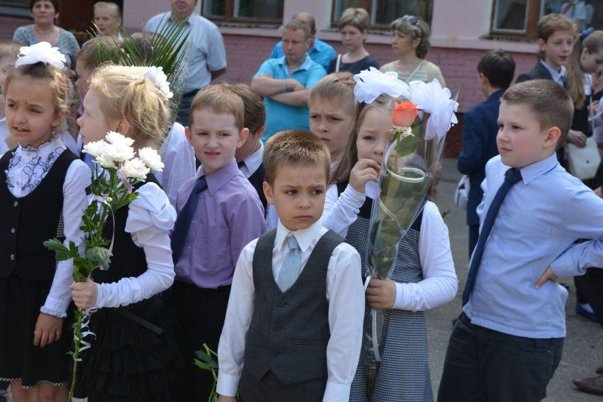В Новополоцке прозвенел последний звонок. Фоторепортаж из гимназии №1, фото-5