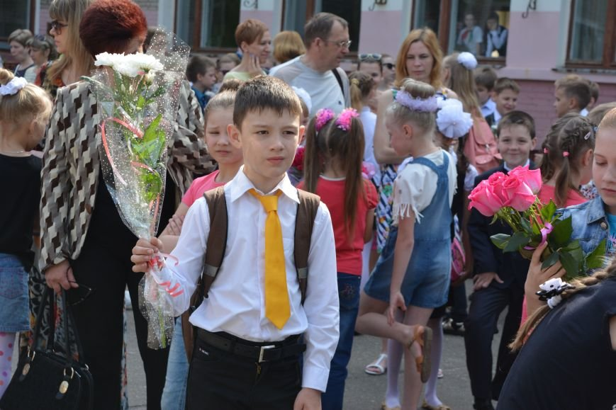 В Новополоцке прозвенел последний звонок. Фоторепортаж из гимназии №1, фото-3