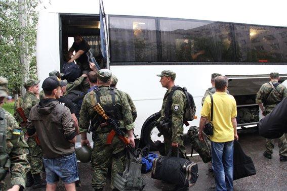 Бойцы роты «Чернигов» уехали в зону АТО, фото-3