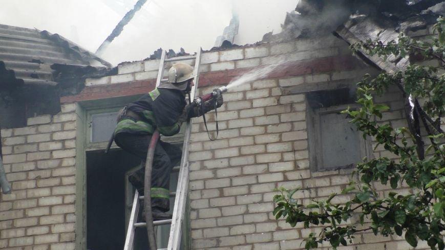 В тушении крупного пожара в Чернигове участвовали 21 спасатель и 6 единиц техники, фото-3