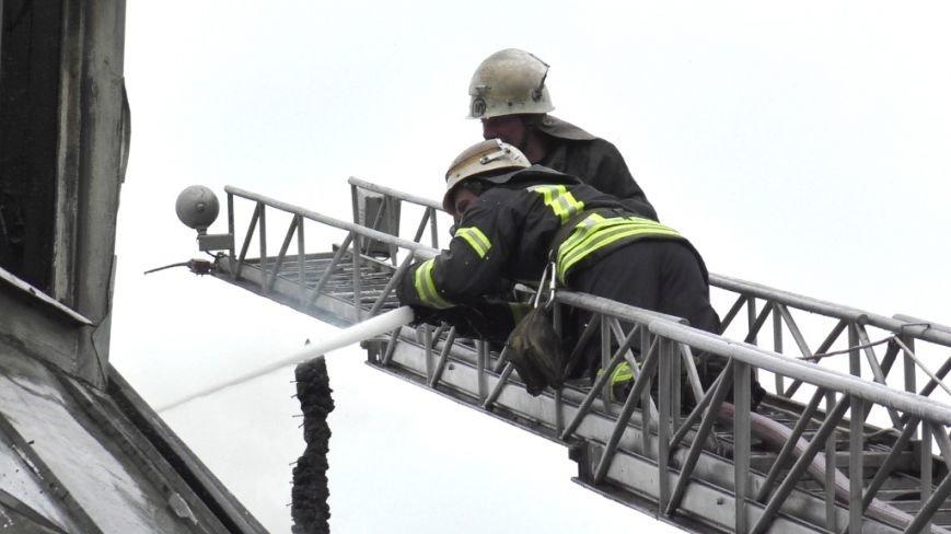 В тушении крупного пожара в Чернигове участвовали 21 спасатель и 6 единиц техники, фото-1