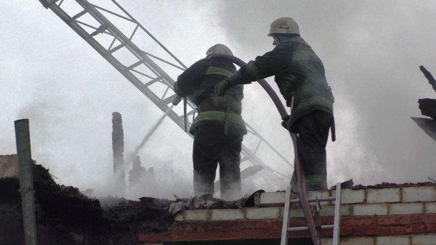 В тушении крупного пожара в Чернигове участвовали 21 спасатель и 6 единиц техники, фото-4