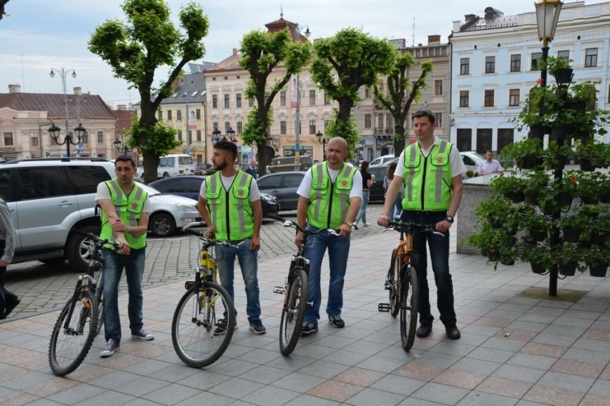 Чернівецька інспекція з благоустрою пересіла на велосипеди, фото-5