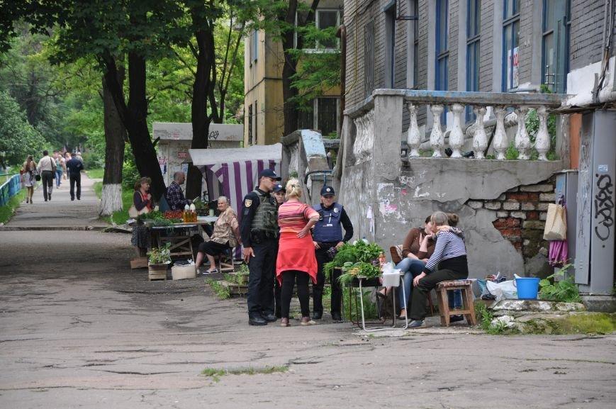 Патрульная полиция начала профилактику стихийной торговли в Краматорске, фото-2