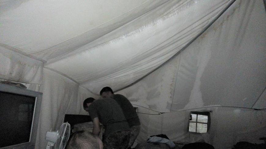 Черниговские палатки для военных развалились после первого дождя, фото-3