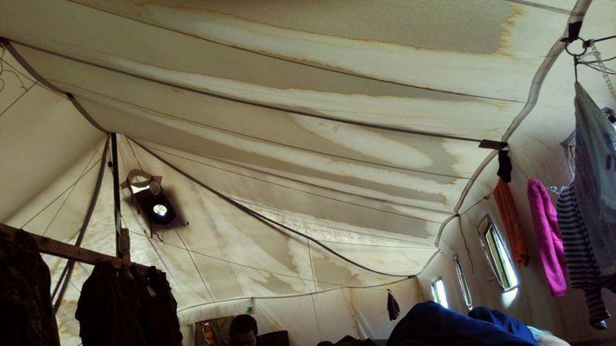 Черниговские палатки для военных развалились после первого дождя, фото-2