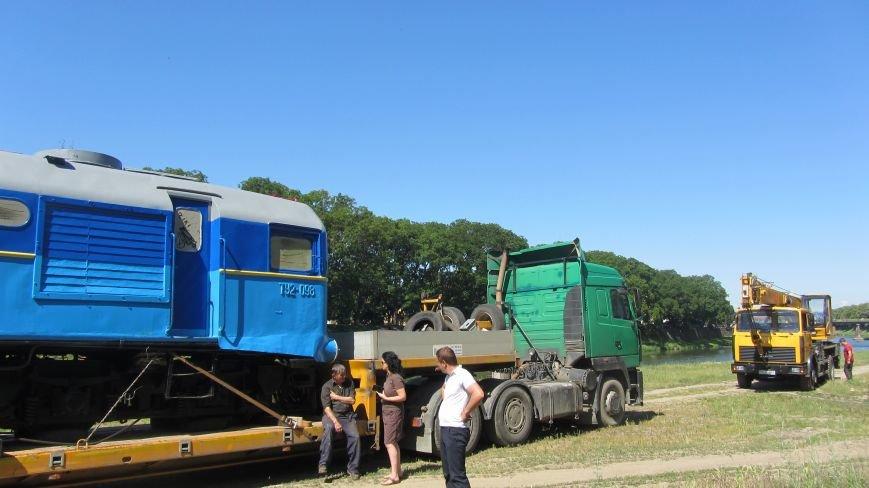 Новий тепловоз дитячої залізниці – вже на березі Ужа: фото, фото-5