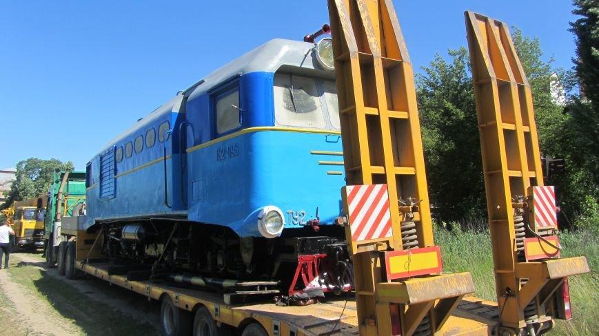 Новий тепловоз дитячої залізниці – вже на березі Ужа: фото, фото-1
