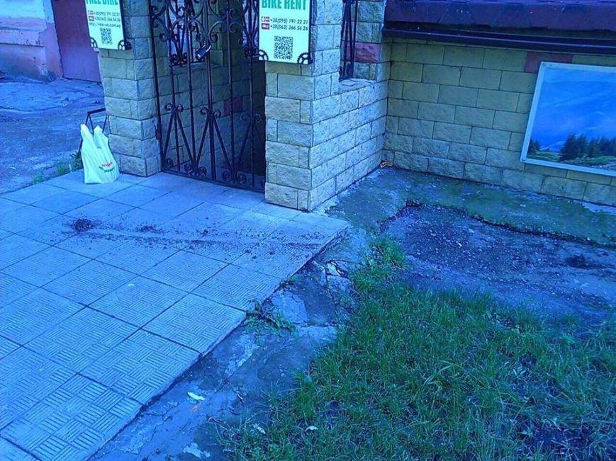 Вандалы уничтожили знаменитый в Чернигове желтый велосипед, фото-3