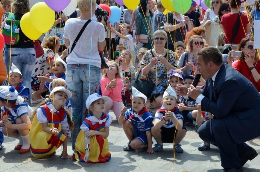 Ялта_01.06.16_В Ялте, впервые в Крыму, прошёл «Парад дошколят» (35)