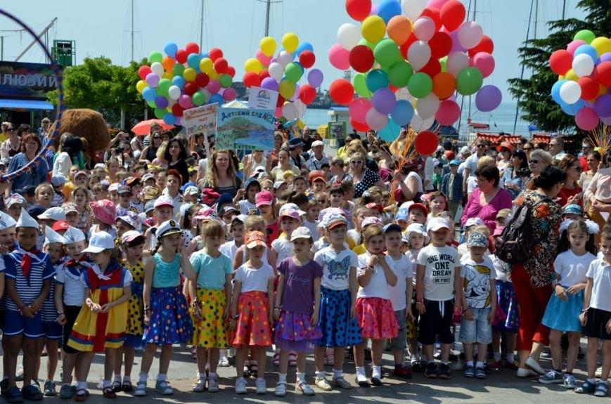 Ялта_01.06.16_В Ялте, впервые в Крыму, прошёл «Парад дошколят» (31)