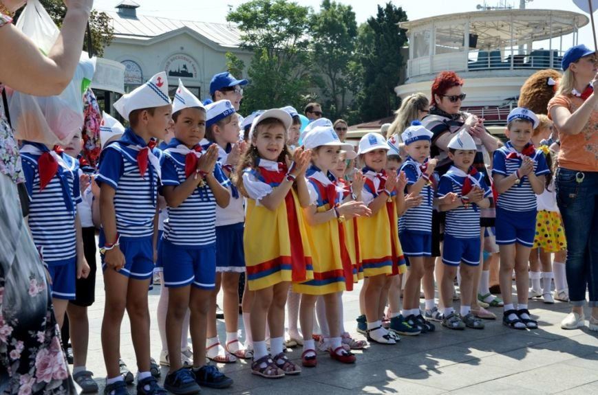 Ялта_01.06.16_В Ялте, впервые в Крыму, прошёл «Парад дошколят» (12)