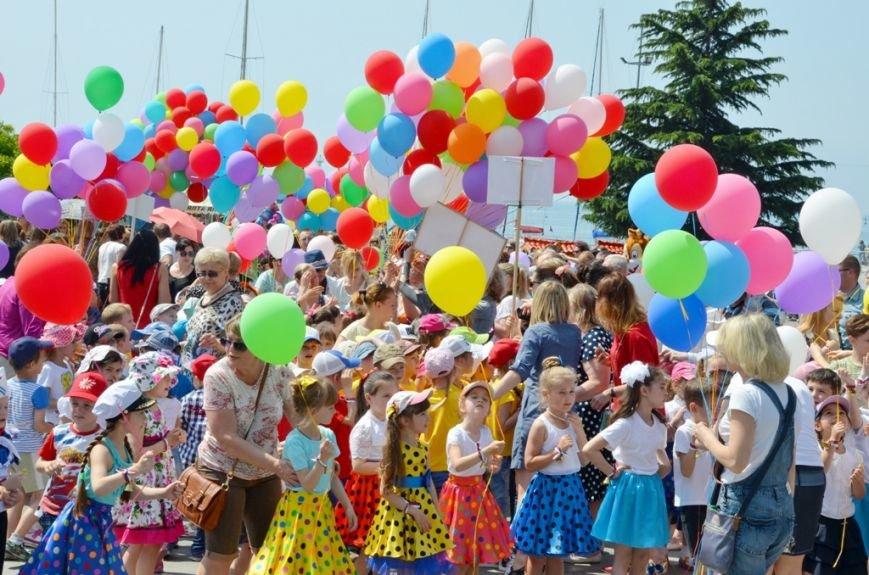 Ялта_01.06.16_В Ялте, впервые в Крыму, прошёл «Парад дошколят» (33)
