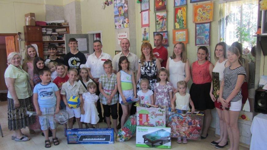 Закарпатський УКРОП завітав з подарунками у родинний будинок «Нова сім'я», фото-3