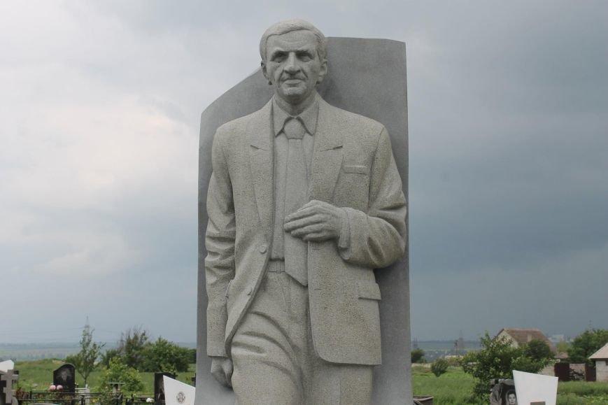 На могиле Героя Украины Владимира Бойко установили памятник (ФОТО), фото-3